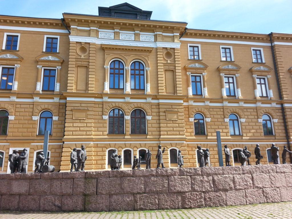 Inspiraatiota Oulusta: Kaupungintalo on vaikuttava näky.