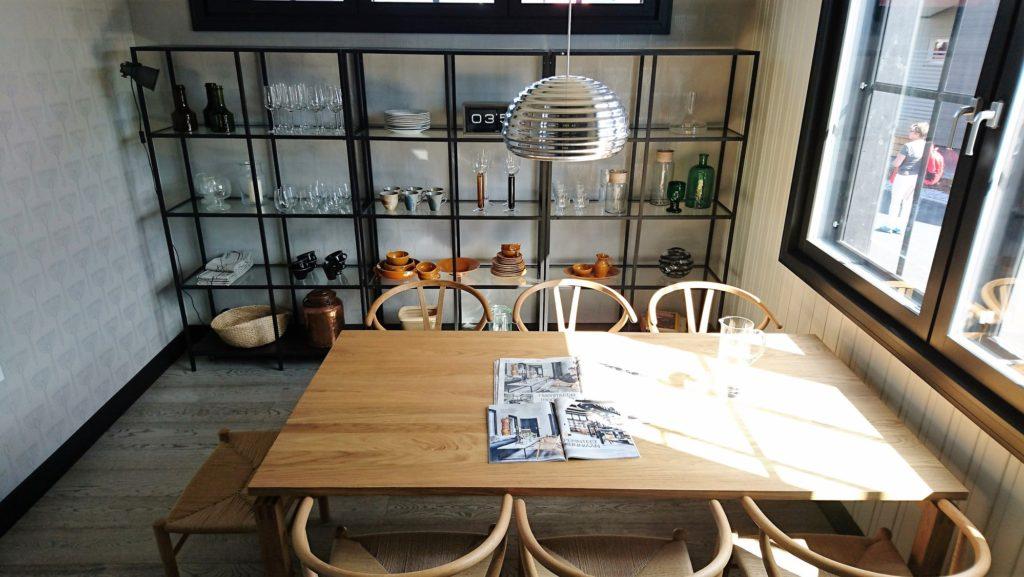Sisustusinspiraatiota asuntomessuilta: Puun käyttö kalusteissa ja pinnoissa on lisääntynyt kovasti
