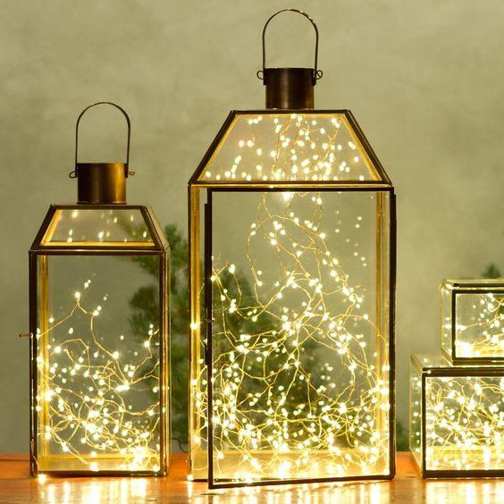 Jouluvalot: lyhtyjen sisällä valoja on helppo siirrellä.