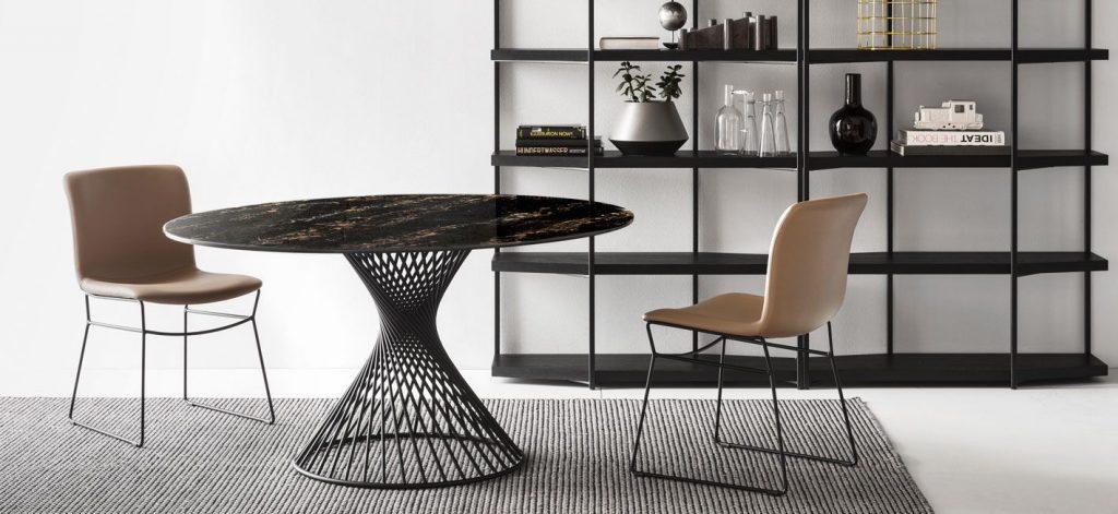 Sisustamisen trendit: Marmori on nyt trendikäs materiaali pöydän kansissa.